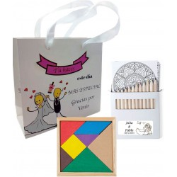 Puzzle con set di matite e borsa